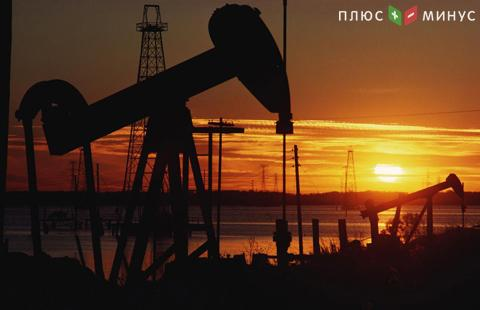 Цены нанефть ускорили падение нафоне роста добычи вСША